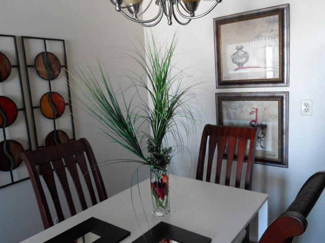 photo of dining room in Braeman Place