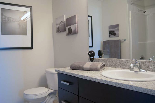 photo of bathroom at Pacific Rise, Edmonton, Alberta