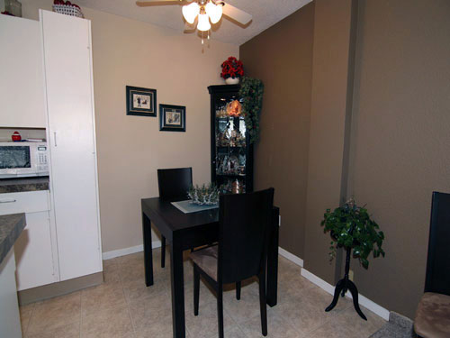 photo of dining room at Willow Estates, Red Deer, Alberta